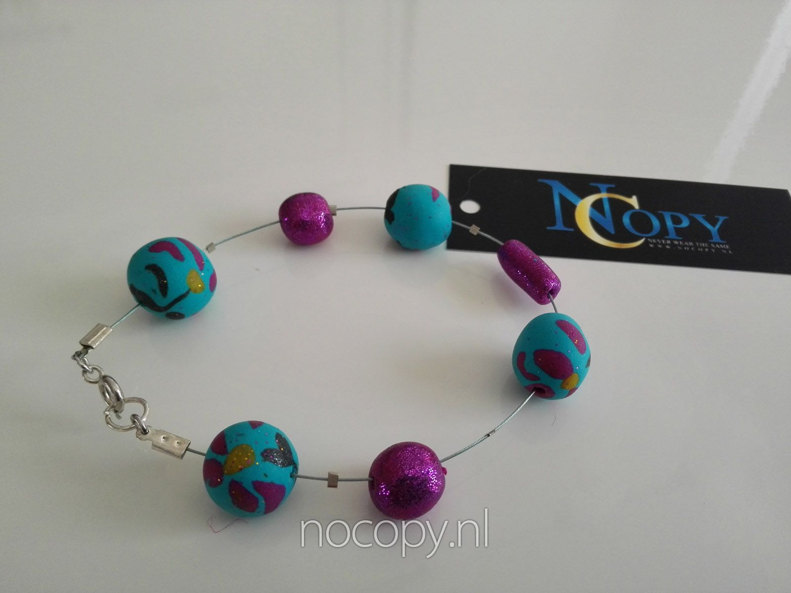 Amazing colours armband