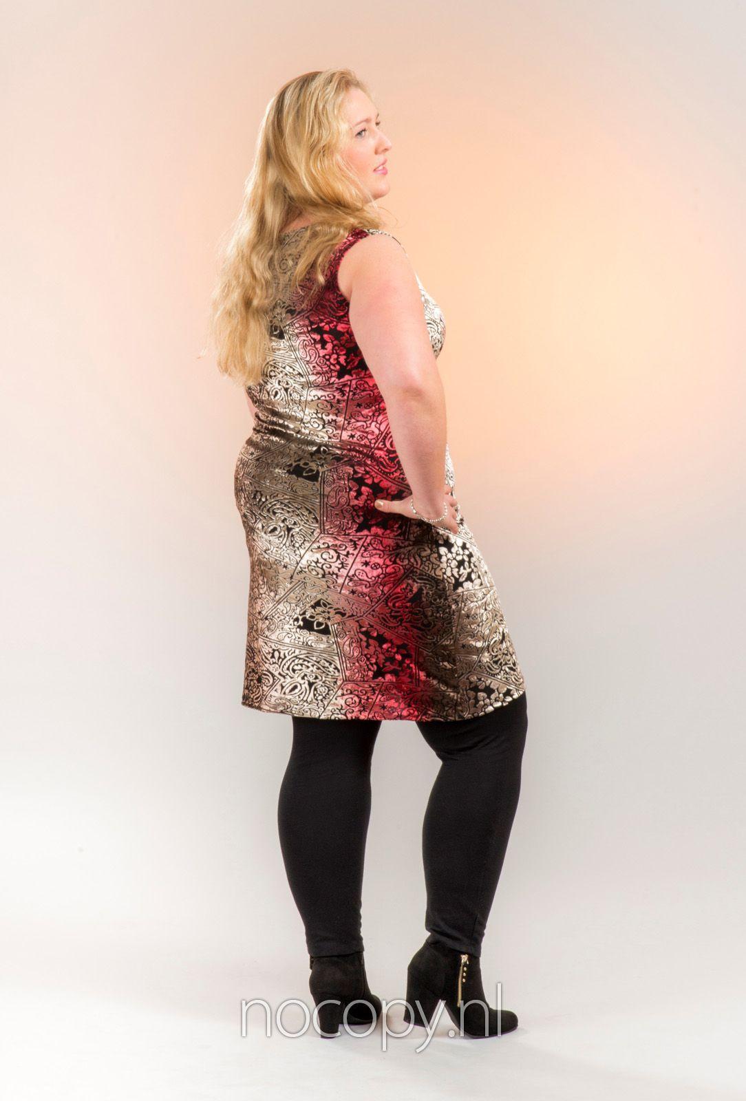 Satijnen jurk rood maatje meer